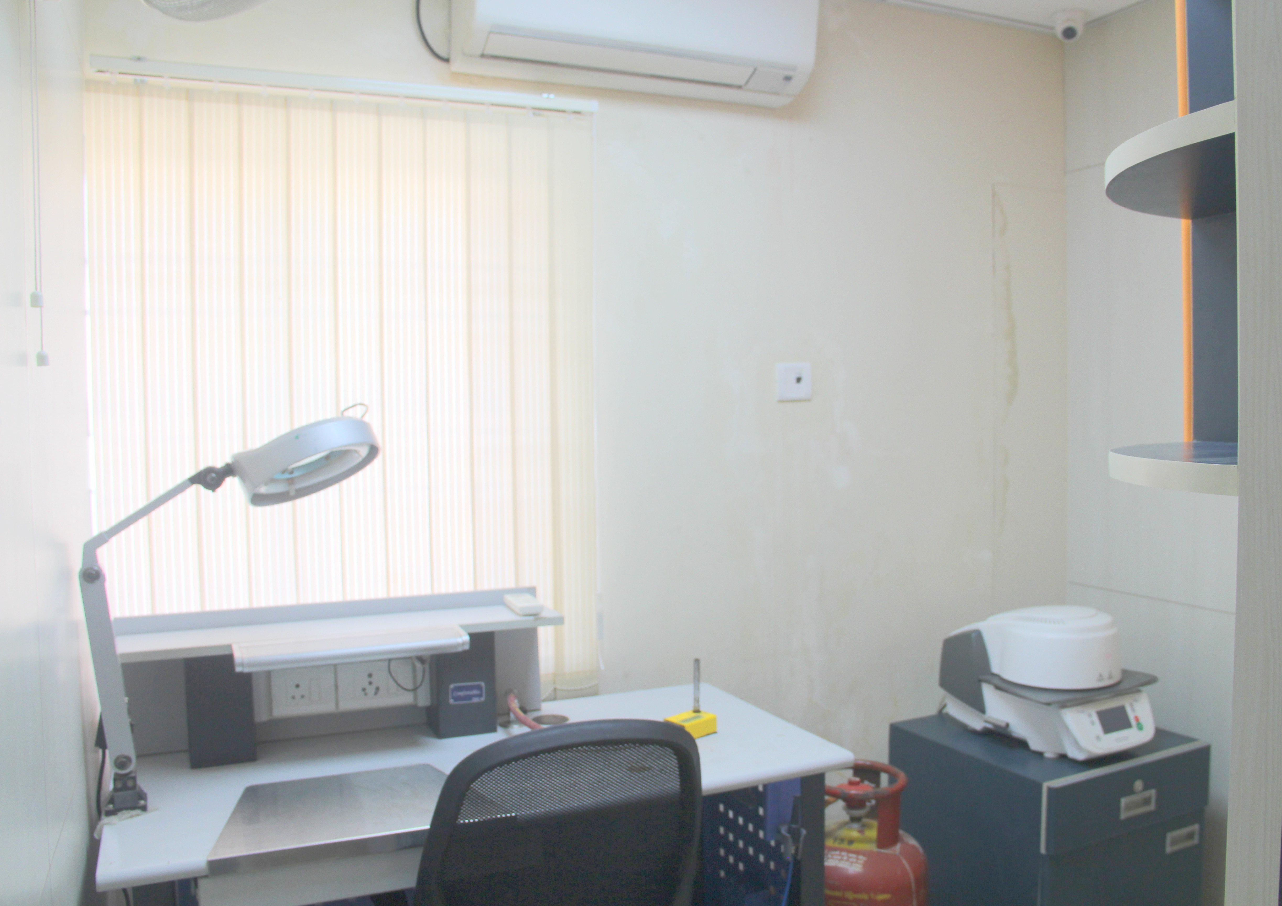 tooth dental implant center in Chennai, India